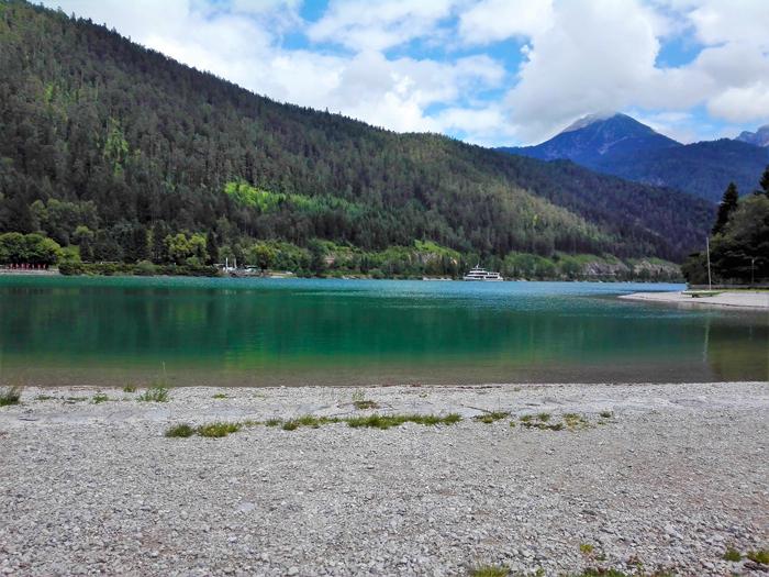Pertisau-playa-lago-Achen-donviajon-turismo-de-bienestar-aventura-naturaleza-Achensee-Tirol-Austria