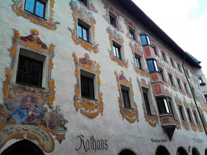 Schwaz-Ayuntamiento-don-viajon-turismo-cultural-minas-de-plata-naturaleza-Tirol-Austria