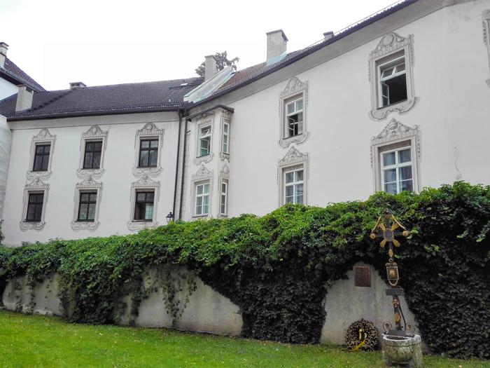 Schwaz-cementerio-municipal-donviajon-turismo-cultural-arte-gotico-medieval-minas-de-plata-Tirol-Austria