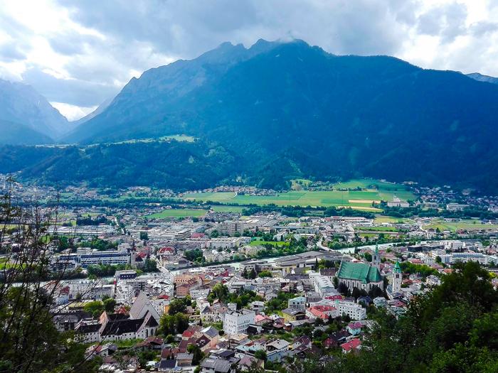 Schwaz-macizo-del-Karwendel-donviajon-turismo-valle-del-rio-Eno-Tirol-Austria