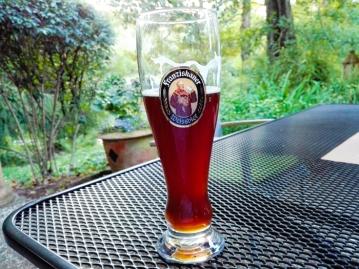 Vorderriß-donviajon-turismo-lago-Sylvenstein-rio-isar-gastronomia-alta-Baviera-cerveza-negra-Alemania