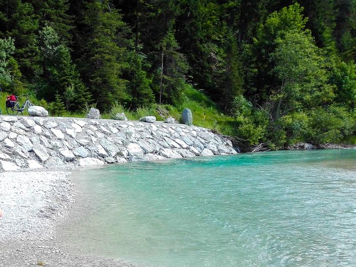 Vorderriß-rio-Isar-don-viajon-senderismo-turismo-aventura-naturaleza-alpes-alemanes-Baviera-Alemania