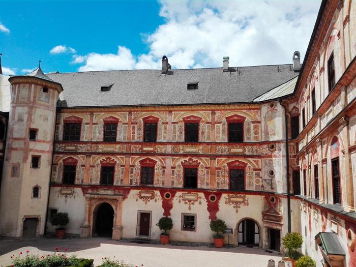 el-castillo-de-Tratzberg-donviajon-arte-gotico-renacentista-turismo-cultural-Jenbach-Tirol-Austria