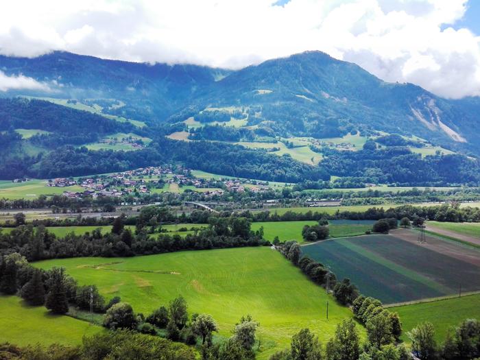 El-castillo-de-Tratzberg-macizo-del-Karwendel-don-viajon-turismo-cultural-naturaleza-Jenbach-Tirol-Austria