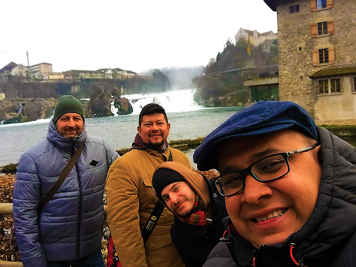 cataratas-del-rin-Rheinfall-don-viajon-turismo-aventura-en-Neuhausen-suiza