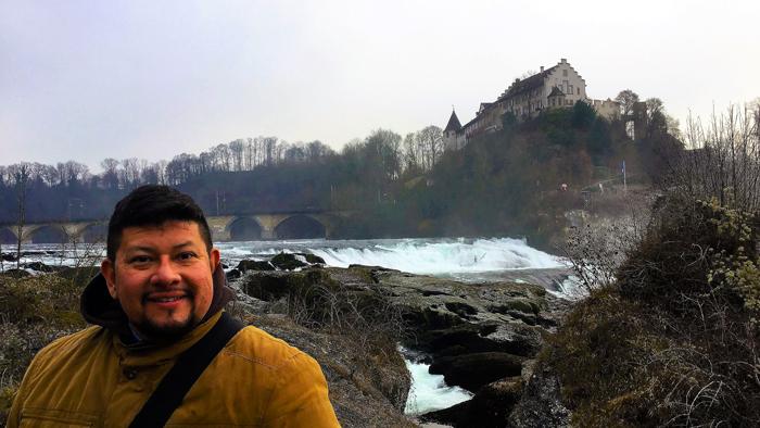 Rheinfall-Neuhausen-don-viajon-turismo-cataratas-del-rin-naturaleza-aventura-suiza