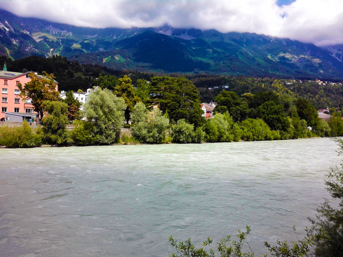 Innsbruck-rio-eno-don-viajon-turismo-naturaleza-alpina-Tirol-Austria