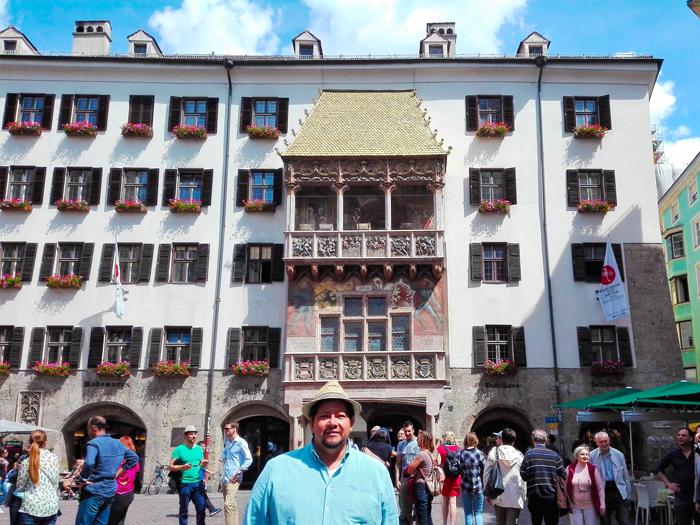 Innsbruck-Tejado-Dorado-don-viajon-turismo-cultural-arte-medieval-Tirol-Austria
