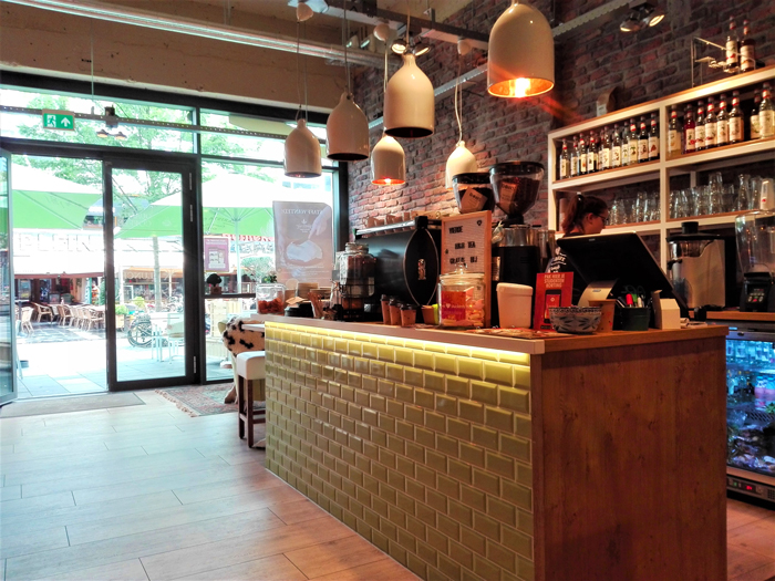 Barista-Cafe-don-viajon-turismo-gastronomico-urbano-Roterdam-Holanda