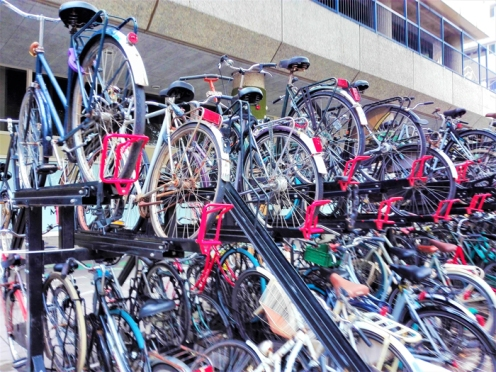 Bicicletas-zonas-de-parqueo-don-viajon-turismo-sostenible-urbano-Utrecht-Paises-Bajos