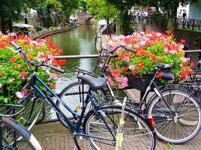 Bicicltes-transporte-sostenible-don-viajon-turismo-urbano-sostenible-Utrecht-Paises-Bajos