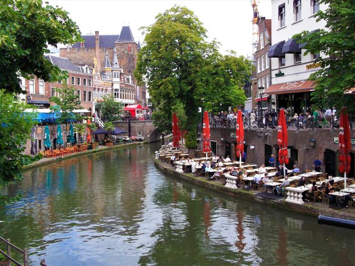Canales-de-Utrecht-don-viajon-transporte-sostenible-turismo-gastronomico-Holanda