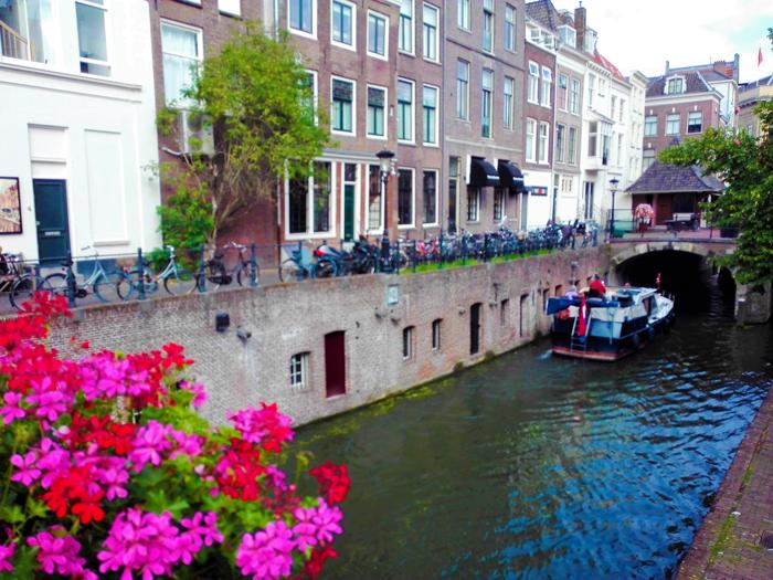 Canales-de-Utrecht-don-viajon-turismo-sostenible-aventura-paseo-en-barco-Holanda