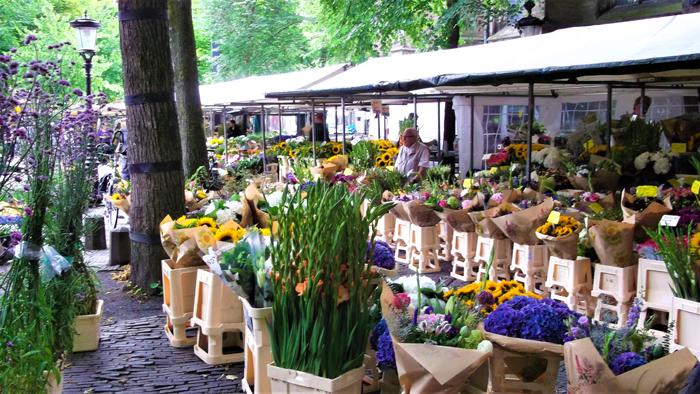 El-mercado-de-las-flores-economia-holandesa-don-viajon-turismo-urbano-compras-Utrecht-Paises-Bajos