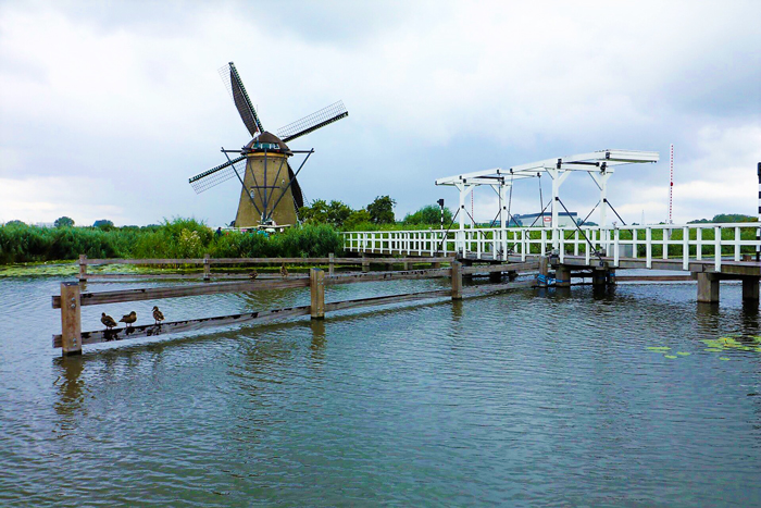 Kinderdijk-molinos-de-viento-holandeses-don-viajon-turismo-cultural-naturaleza-aventura-Holanda