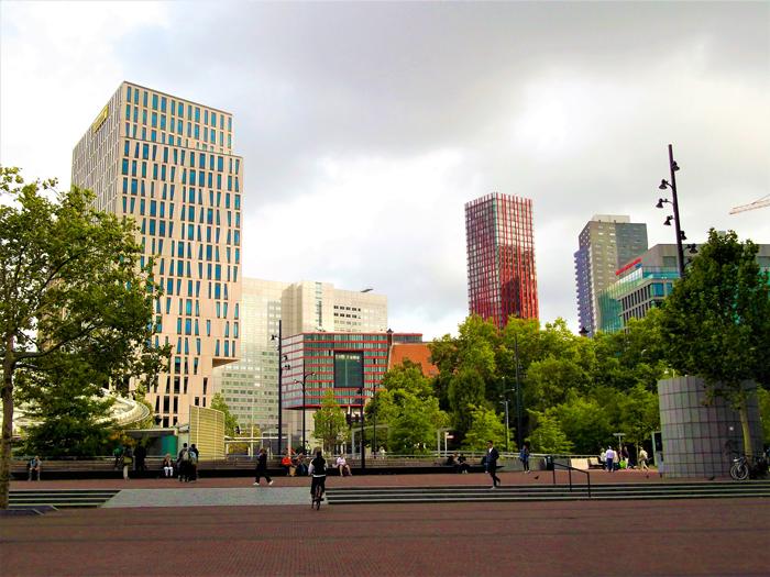 Markthal-alrededores-mercado-municipal-Roterdam-don-viajon-turismo-de-compra-gastronomico-Holanda