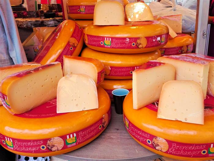 quesos-holandeses-Edam-Gouda-Maasdam-don-viajon-turismo-gastronomico-Paises-Bajos