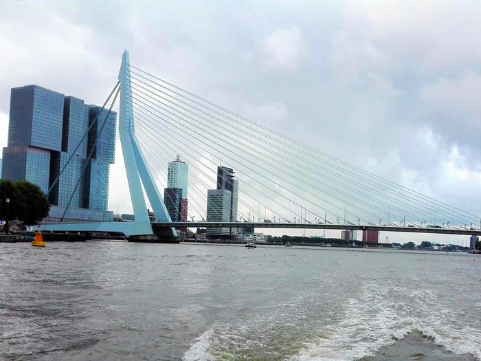 rio-nuevo-mosa-don-viajon-turismo-aventura-cultural-puente-Erasmus-Roterdam-Holanda