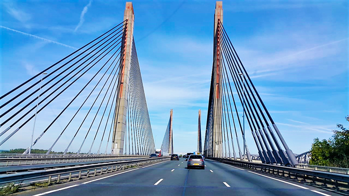 Arquitectura-moderna-puentes-don-viajon-turismo-recreativo-cultural-Paises-Bajos