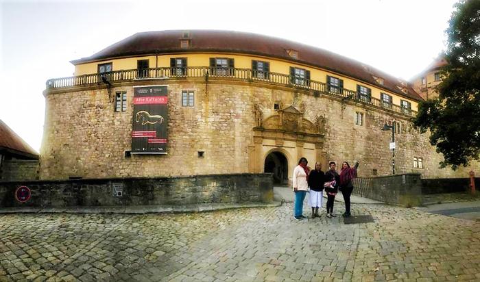 Castillo-medieval-Tubingen-don-viajon-turismo-cultural-arqueologico-las-inseparables-Suabia-Alemania