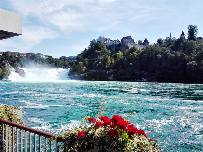 las-inseparables-viajeras-don-viajon-turismo-naturaleza-aventura-cataratas-del-rin-suiza