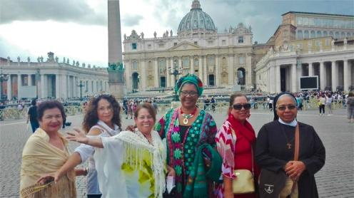 Plaza-de-San-Pedro-don-viajon-turismo-religioso-cultural-aventura-las-inseparables-Vaticano-Italia