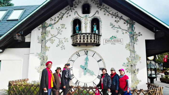 reloj-cucu-gigante-lago-titisee-don-viajon-turismo-cultural-las-inseparables-viajeras-Selva-Negra-Alemania