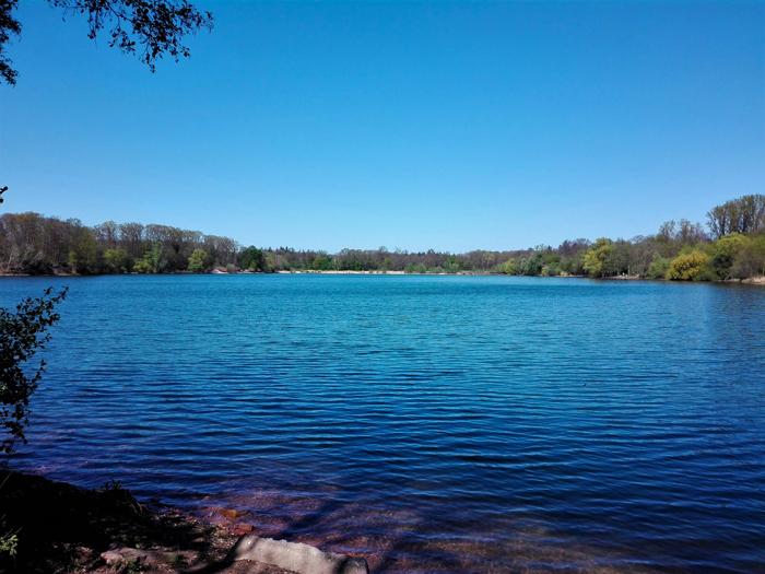 lago-Ettlingen-don-viajon-turismo-aventura-en-la-naturaleza-region-Karlsruhe-Baden-Wurttemberg-Alemania