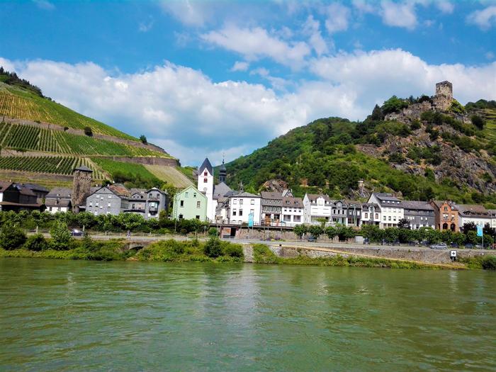 Valle-romantico-del-rio-Rin-don-viajon-viajando-con-pasion-turismo-recreativo-cultural-aventura-Hesse-Alemania
