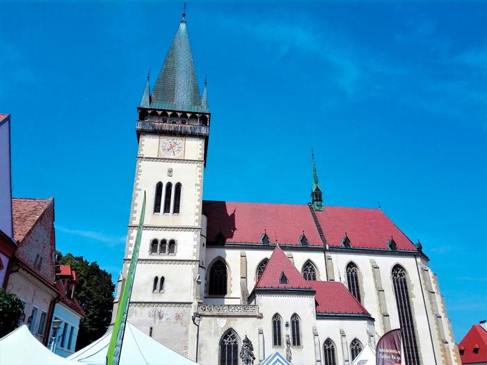Basilica-de-san-Gil-Bardejov-don-viajon-turismo-urbano-cultural-religioso-arte-gotico-Eslovaquia