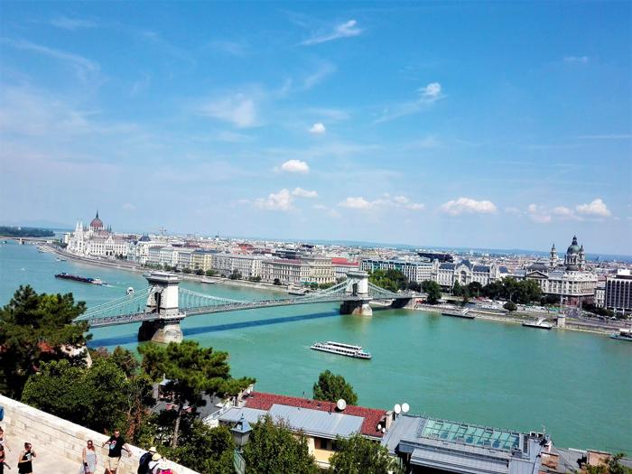 Budapest-rio-Danubio-panoramica-de-la-ciudad-don-viajon-turismo-urbano-cultural-recreativo-aventura-Hungria