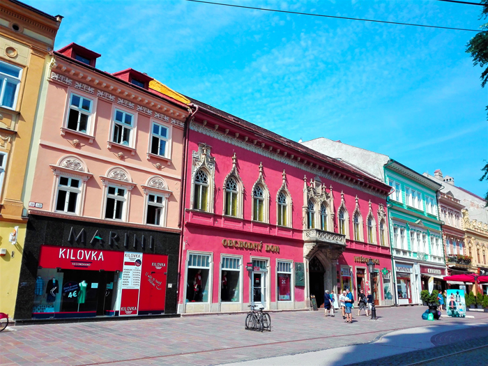 Casas-de-colores-Kosice-don-viajon-turismo-urbano-cultural-recreativo-Eslovaquia