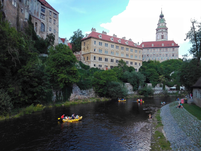 Chesky-Krumlov-Patrimonio-de-la-Humanidad-palacio-barroco-don-viajon-turismo-urbano-cultural-gastronomico-aventura-Republica-Checa