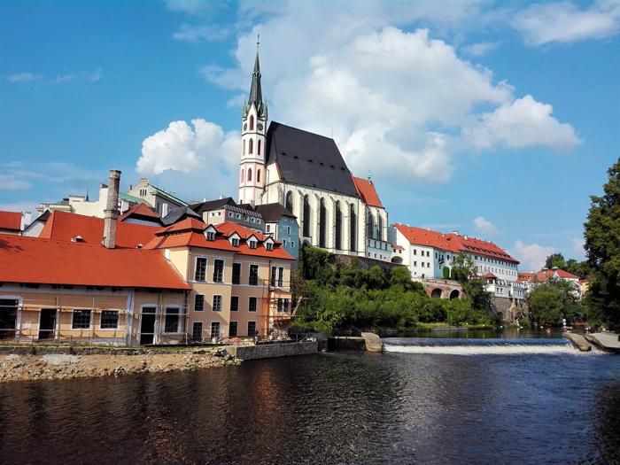 Chesky-Krumlov-rio-moldava-don-viajon-turismo-urbano-patrimonio-de-la-humanidad-arte-cultura-aventura-Republica-Checa