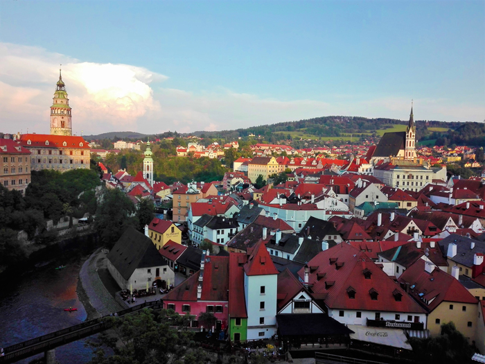 Chesky-Krumlov-rio-moldava-panoramica-de-la-ciudad-don-viajon-turismo-urbano-patrimonio-de-la-humanidad-arte-cultura-aventura-Republica-Checa