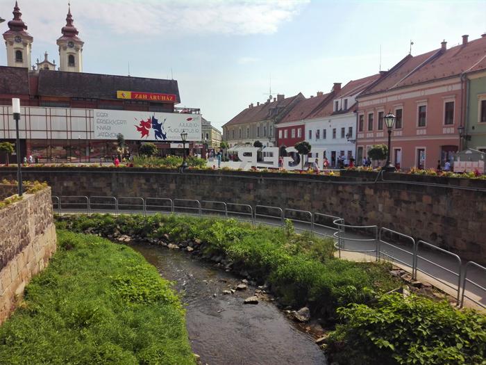 Eger-ciudad-medieval-don-viajon-turismo-urbano-cultural-gastronomico-etnologico-aventura-Hungria