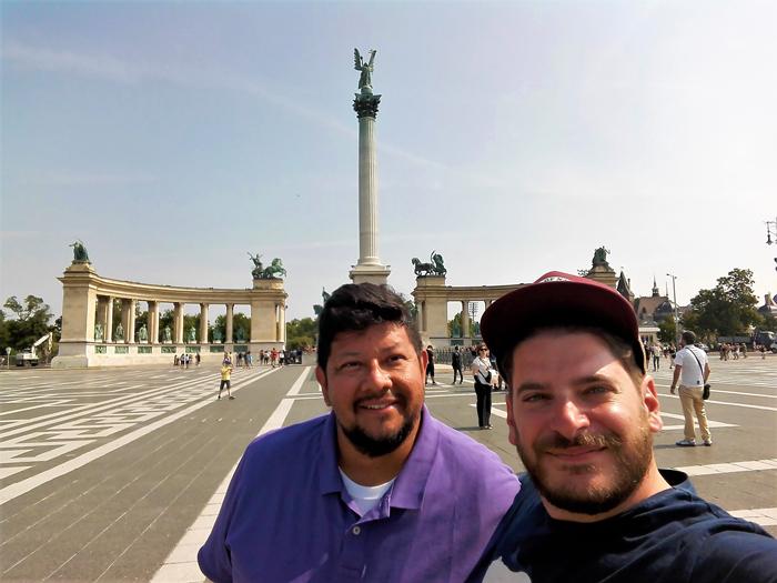 La-plaza-de-los-heroes-Budapest-don-viajon-turismo-urbano-cultural-gastronomico-aventura-Hungria
