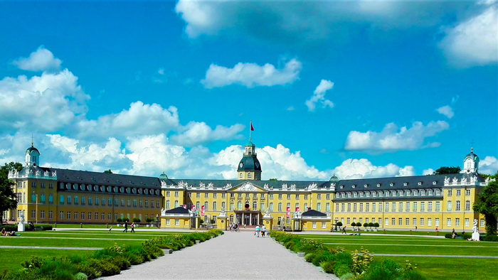 Palacio-barroco-de-Karlsruhe-don-viajon-turismo-urbano-cultural-recreativo-senderismo-Baden-Wurttemberg-Alemania