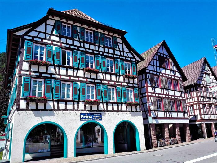 Schiltach-casas-de-entramado-de-madera-don-viajon-turismo-cultural-recreativo-rutas-Selva-Negra-Baden-Wurttemberg-Alemania