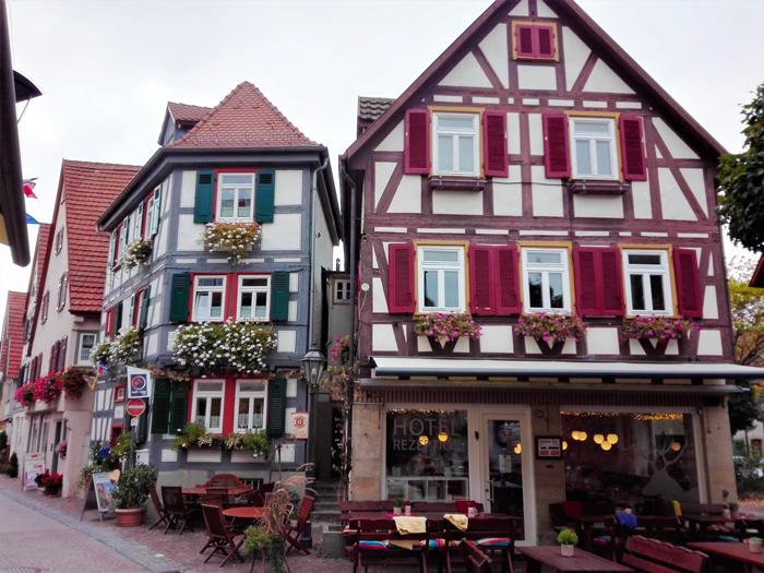 Besigheim-ruta-casas-de-entramado-de-madera-Baden-Wurttemberg-Alemania-don-viajon-turismo-urbano-cultural-recreativo-gastronomico-rio-Enz