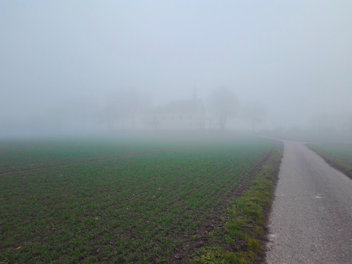 Heidelsheim-tiempo-de-invierno-niebla-densa-don-viajon-turismo-aventura-en-la-naturaleza-Suabia-Baden-Wurttemberg-Alemania