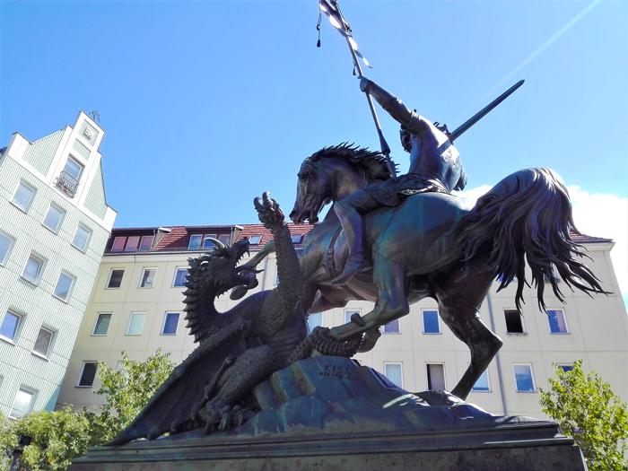 Plaza-de-San-Jorge-Berlin-don-viajon-turismo-recreativo-urbano-cultural-aventura-Alemania