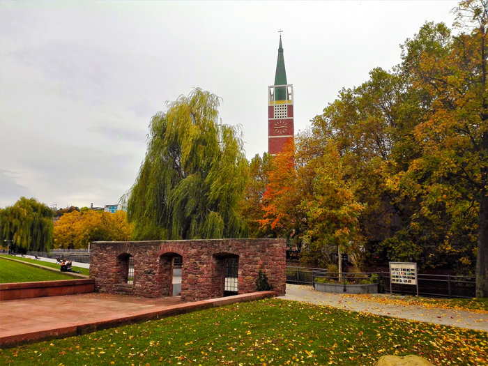 Valle-del-rio-Enz-otono-don-viajon-turismo-urbano-cultural-Pforzheim-Baden-Wurttemberg-Alemania