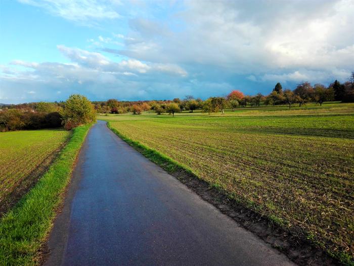 Valle-del-rio-Enz-rutas-para-senderismo-ciclismo-don-viajon-turismo-rural-recreativo-aventura-naturaleza-Selva-Negra-Alemania
