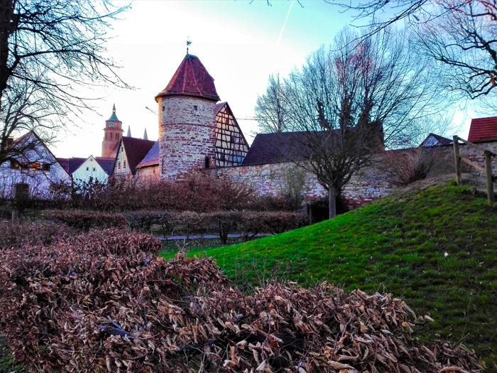 Weil-der-Stadt-ciudad-amurallada-don-viajon-turismo-urbano-cultural-aventura-valle-del-rio-wuerm-Baden-Wurttemberg-Alemania