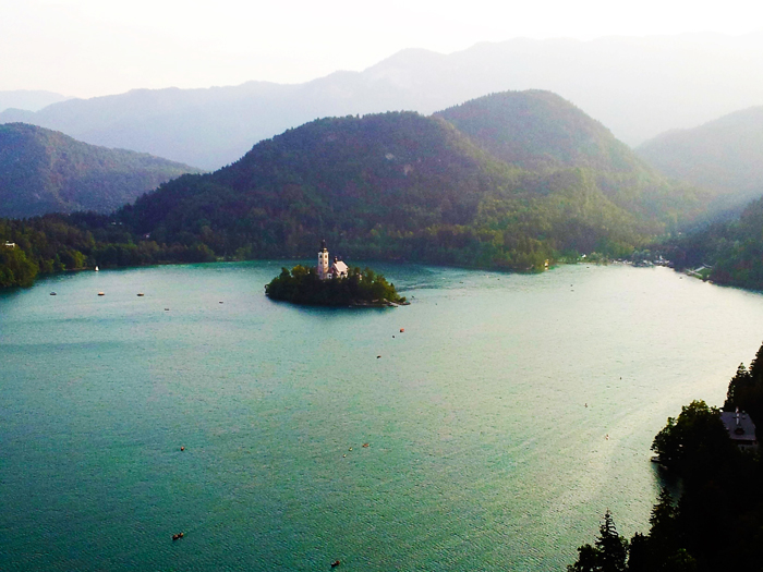 Lago-de-Bled-Alpes-Julianos-don-viajon-turismo-cultural-recreativo-naturaleza-Eslovenia