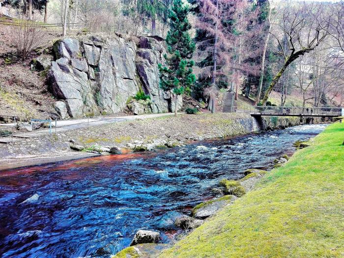 Bad-Wildbad-valle-del-rio-Enz-don-viajon-turismo-recreativo-senderismo-aventura-Alemania