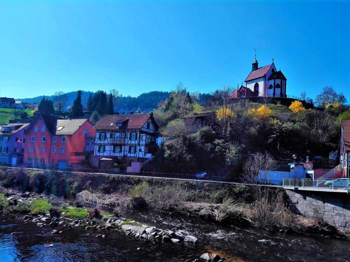 Weisenbach-valle-del-rio-Murg-don-viajon-turismo-recreativo-naturaleza-aventura-Selva-Negra-Alemania